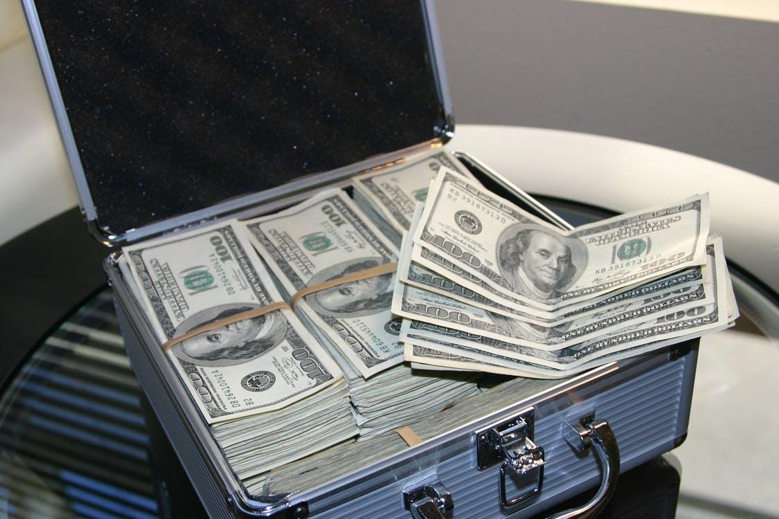 Hvordan bliver man millionær? læs her hvordan